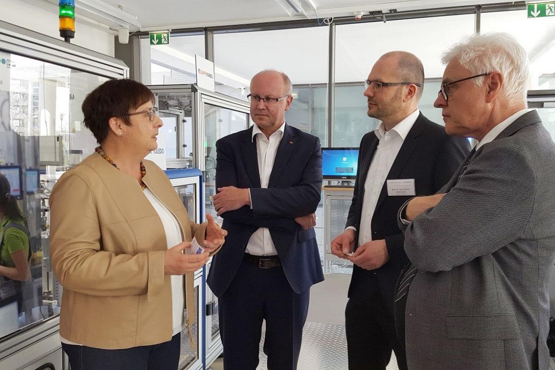 v.l.n.r.: Patricia Lips, Xaver Jung, Prof. Dr. Martin Ruskowski, Prof. Dr. Detlef Zühlke