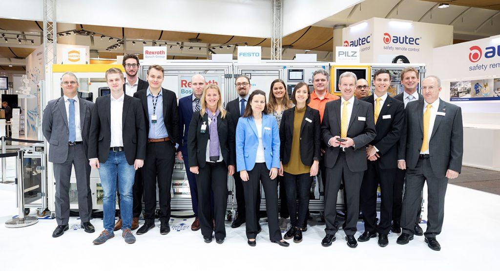 Das Team der SmartFactoryKL zur Hannover Messe 2017. ©SmartFactoryKL / C. Arnoldi