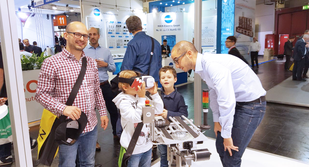 Even the smallest of the exhibition´s visitors were fascinated by our VR application.