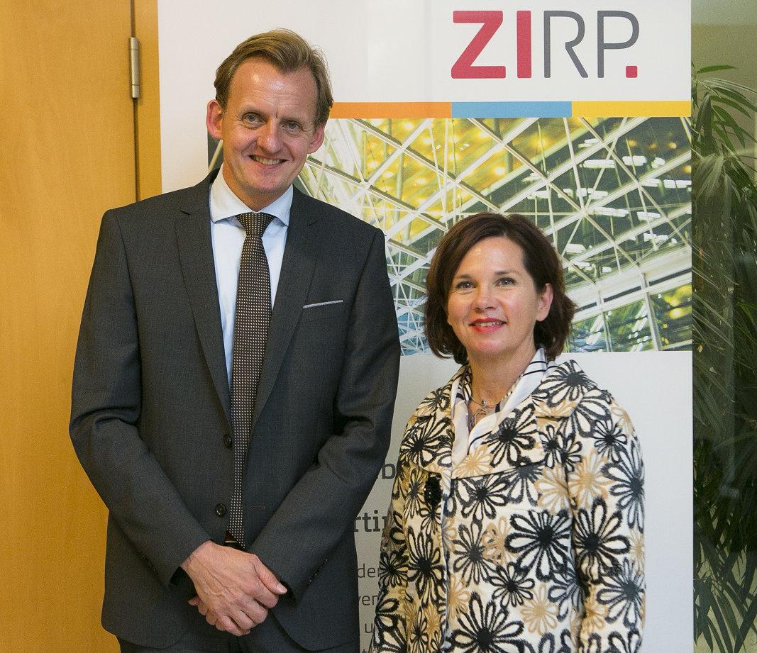 Die SmartFactoryKL wird Mitglied in der ZIRP.