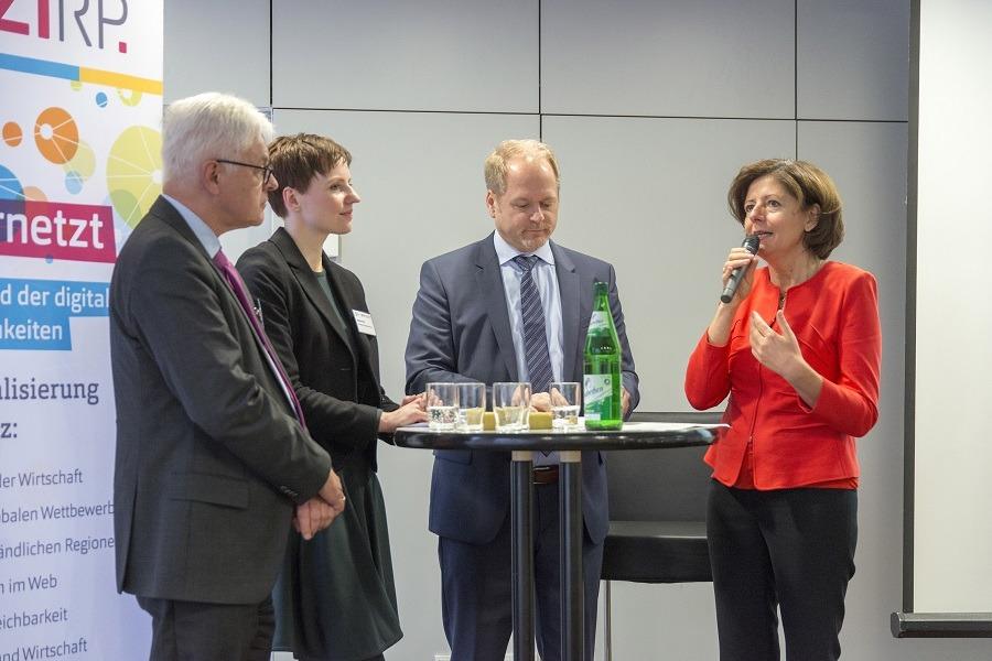 """ZIRP um 8: """"Digitalisierung in Rheinland-Pfalz"""""""