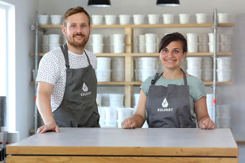Die Geschäftsführer und Gründer von KOLORAT, Monja Weber und Sebastian Alt.