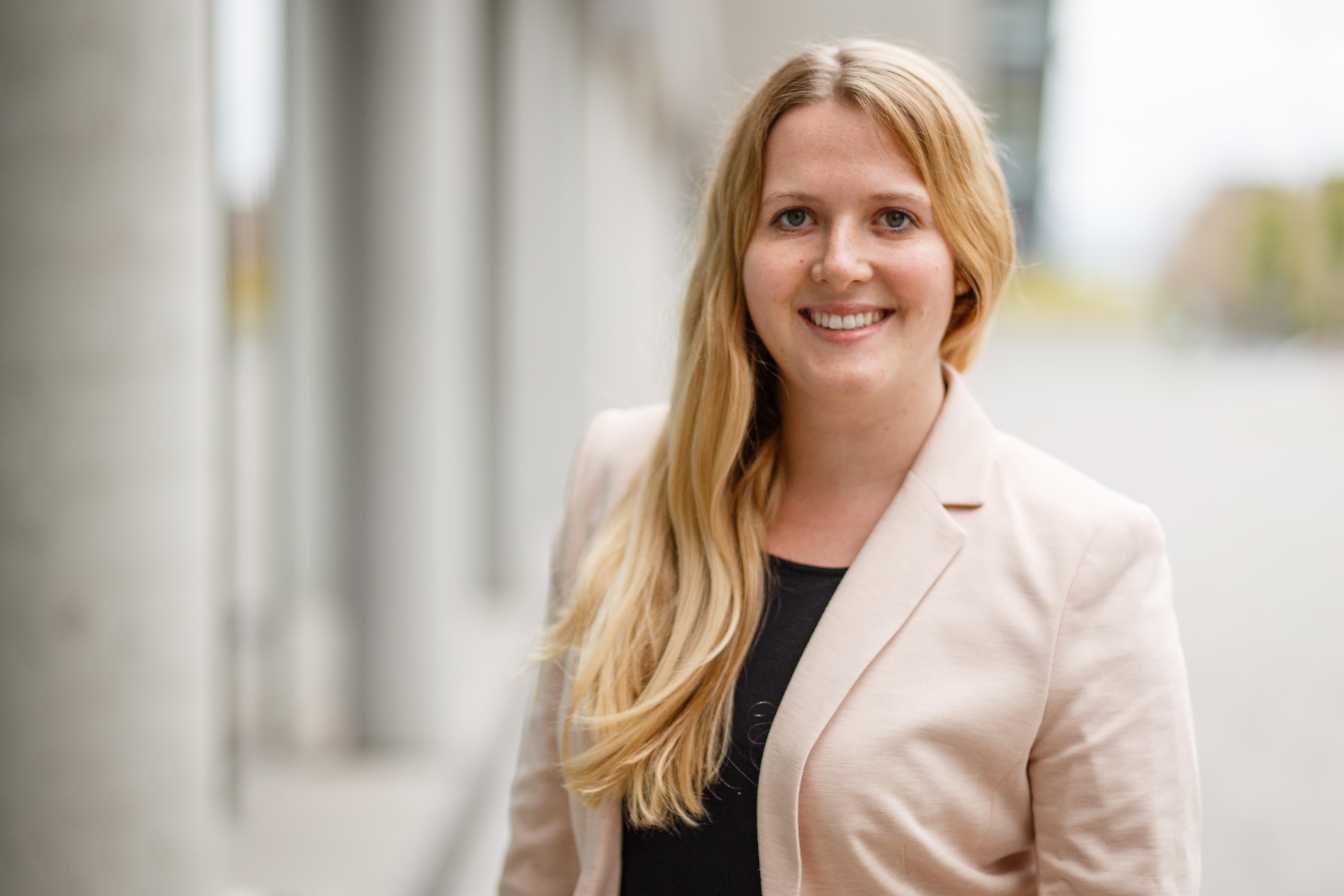 Fabienne Bosle, Leitung Presse- & Öffentlichkeitsarbeit. ©SmartFactoryKL/F.Mohr