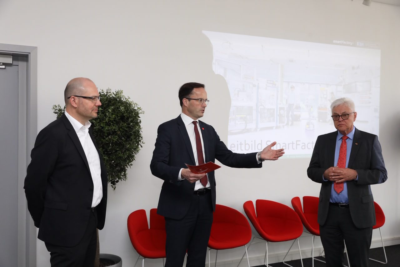 Dr. Jochen Köcker, Chairman of the Board of Deutsche Messe AG, held the opening speech.