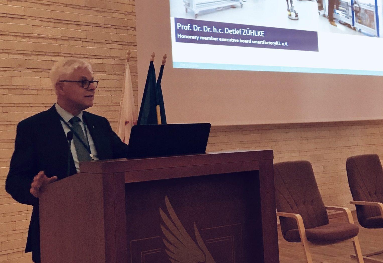 Prof. Zühlke holds keynote speech in Romania