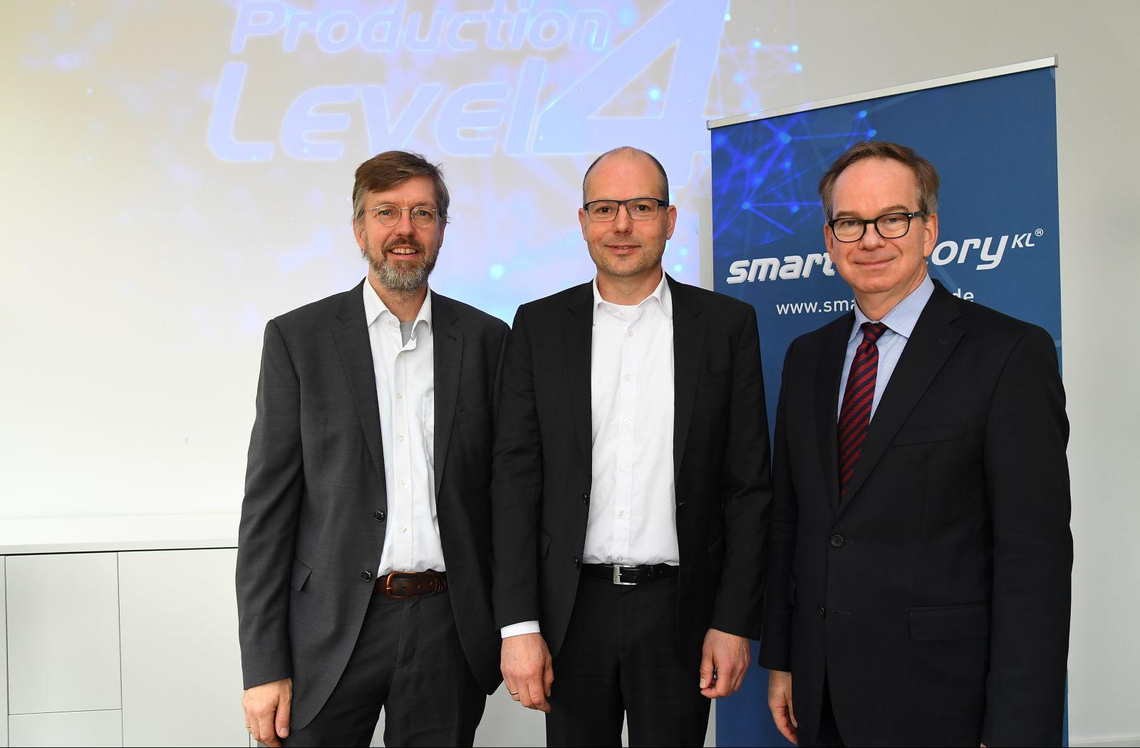 SmartFactoryKL stellt Produktion der Zukunft vor: Production Level 4